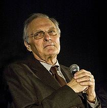 220px-Alan_Alda_by_Bridget_Laudien