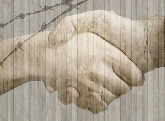handshake-584105_640