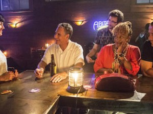 looking-happy-in-the-big-easy-ncis-new-orleans-s1e1