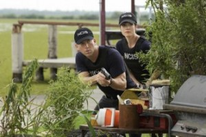 NCIS-New-Orleans-1x01-1