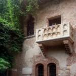 balcony-439286_640