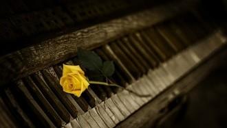 piano-1239729_640