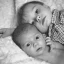 brothers-990692_640