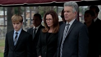 MajorCrimesS04E10_funeral